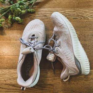 EUC Adidas AlphaBounce Blush Tennis Shoe, 8